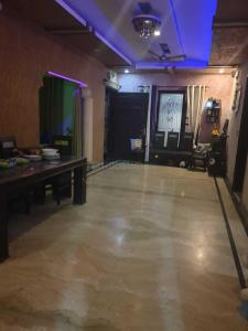 Gallery Cover Image of 3120 Sq.ft 10 BHK Independent House for buy in Chironwali for 32000000