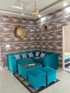 Gallery Cover Image of 1000 Sq.ft 3 BHK Apartment for buy in Adore Happy Homes Exclusive, Sector 81 for 2612000