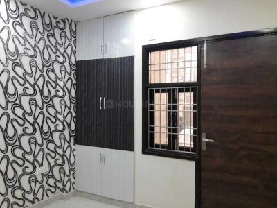 Gallery Cover Image of 1350 Sq.ft 3 BHK Independent Floor for buy in Shalimar Bagh for 23500000