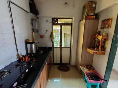 Gallery Cover Image of 728 Sq.ft 2 BHK Apartment for rent in Thane West for 18500