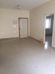 Gallery Cover Image of 980 Sq.ft 2 BHK Apartment for rent in Rajkham Emerald, Gerugambakkam for 15000