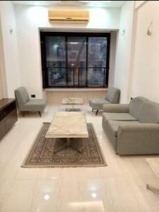 Gallery Cover Image of 720 Sq.ft 1 BHK Apartment for rent in Daulat Shirin, Colaba for 60000