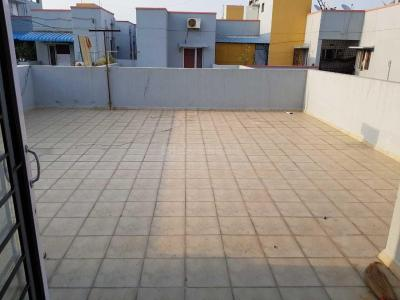 Gallery Cover Image of 1350 Sq.ft 3 BHK Apartment for rent in Selaiyur for 18000