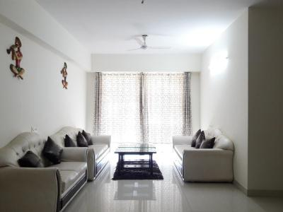 Gallery Cover Image of 1800 Sq.ft 3 BHK Apartment for rent in Borivali East for 57000
