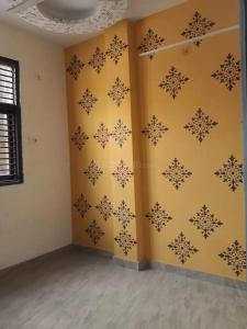 Gallery Cover Image of 750 Sq.ft 3 BHK Independent Floor for rent in Matiala for 12000