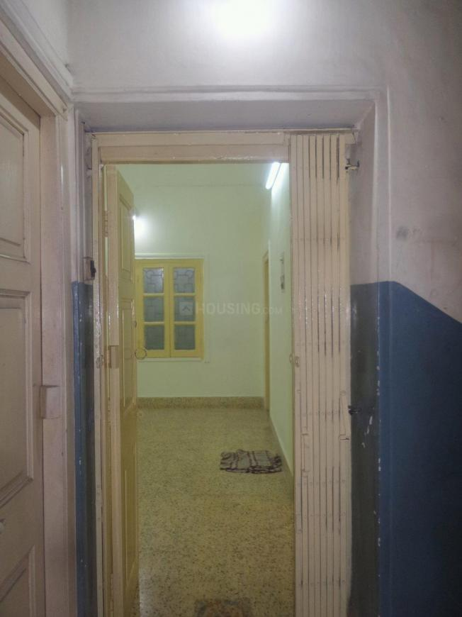 Main Entrance Image of 1600 Sq.ft 3 BHK Apartment for rent in Lake Gardens for 25000
