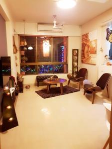 Gallery Cover Image of 650 Sq.ft 2 BHK Apartment for buy in Govandi for 16500000