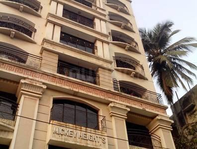 Gallery Cover Image of 1340 Sq.ft 2 BHK Apartment for rent in Malad West for 34000