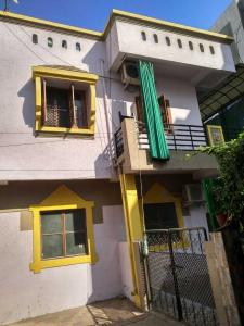 Gallery Cover Image of 1100 Sq.ft 5 BHK Independent House for buy in Kalali for 6300000