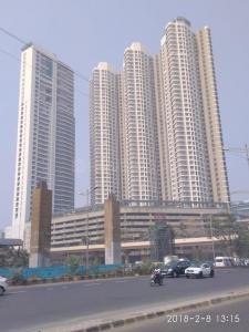Gallery Cover Image of 1650 Sq.ft 3 BHK Apartment for rent in Goregaon East for 90000