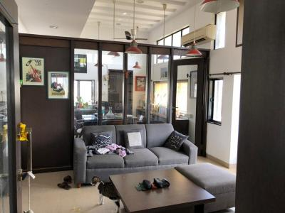 Gallery Cover Image of 700 Sq.ft 1 BHK Apartment for rent in Rose Minar CHS, Bandra West for 75000