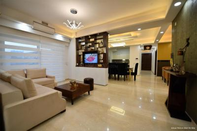 Gallery Cover Image of 2140 Sq.ft 3 BHK Apartment for buy in Gomti Nagar for 12500000