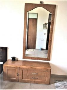 Gallery Cover Image of 2100 Sq.ft 3 BHK Apartment for rent in Thaltej for 45000