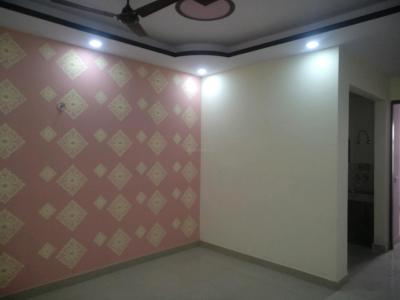 Gallery Cover Image of 880 Sq.ft 2 BHK Apartment for buy in Sector 131 for 2650000
