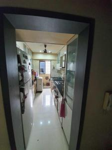 Gallery Cover Image of 1340 Sq.ft 3 BHK Apartment for rent in Kandivali East for 43000