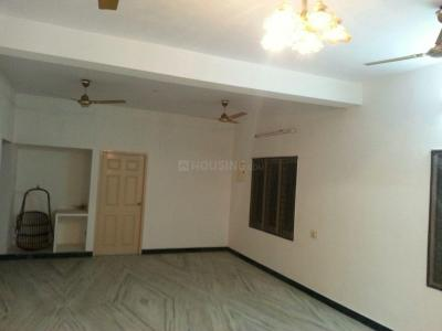 Gallery Cover Image of 1500 Sq.ft 3 BHK Independent Floor for rent in Ramapuram for 20000