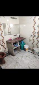 Bedroom Image of Angad PG in Daya Basti