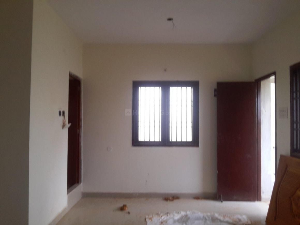 Living Room Image of 610 Sq.ft 1 BHK Apartment for buy in Surappattu for 2684000