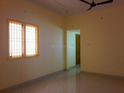 Gallery Cover Image of 860 Sq.ft 2 BHK Apartment for buy in Korattur for 4100000