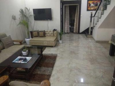 Gallery Cover Image of 1800 Sq.ft 3 BHK Independent House for buy in Lal Kuan for 9000000