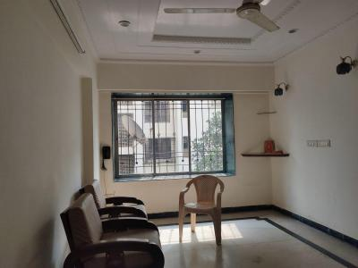 Gallery Cover Image of 800 Sq.ft 2 BHK Apartment for rent in Kandivali East for 26000