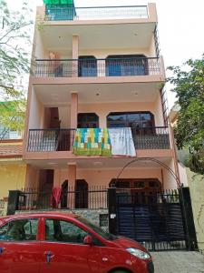 Gallery Cover Image of 1000 Sq.ft 1 BHK Independent House for rent in Beta I Greater Noida for 7000