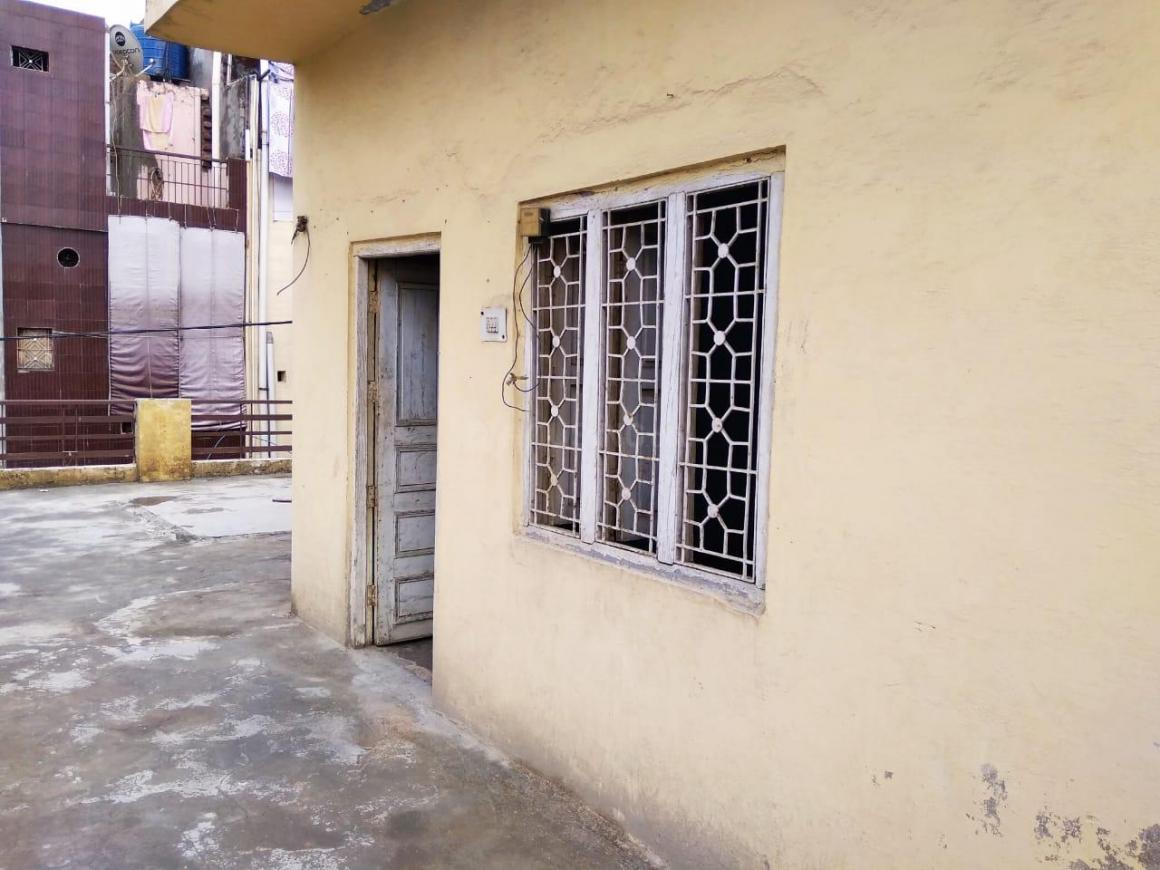 Terrace Image of 400 Sq.ft 1 RK Independent Floor for rent in Bhalswa for 3400
