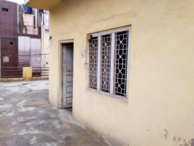 Gallery Cover Image of 400 Sq.ft 1 RK Independent Floor for rent in Bhalswa for 3400