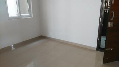 Gallery Cover Image of 841 Sq.ft 2 BHK Apartment for rent in Perungalathur for 11500