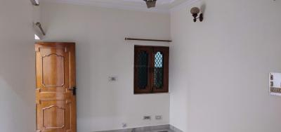 Gallery Cover Image of 1500 Sq.ft 3 BHK Apartment for rent in Block KD Dakshini Pitampura, Pitampura for 24000
