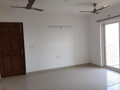 Gallery Cover Image of 2150 Sq.ft 3 BHK Apartment for rent in Chi IV Greater Noida for 23000