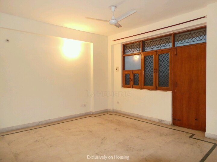 Living Room Image of 2150 Sq.ft 3.5 BHK Apartment for buy in Reputed Professor Enclave, Sector 56 for 15500000
