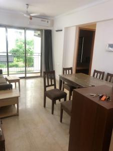 Gallery Cover Image of 2400 Sq.ft 3 BHK Apartment for rent in Indiabulls Blu Tower D, Worli for 325000