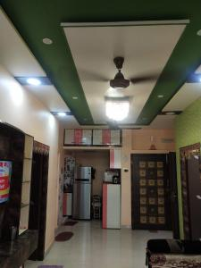 Gallery Cover Image of 1000 Sq.ft 3 BHK Independent Floor for buy in Dunlop for 4000000