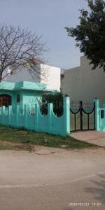 Gallery Cover Image of 2500 Sq.ft 2 BHK Independent House for rent in Delta II Greater Noida for 10000