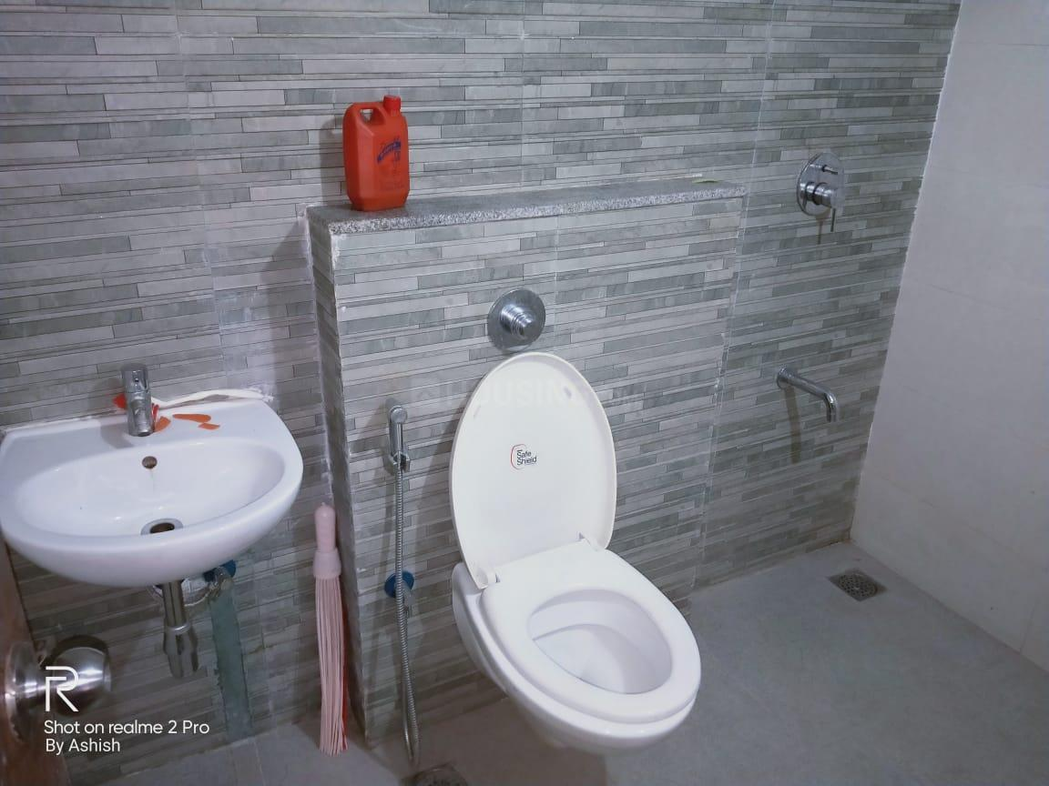 Common Bathroom Image of 680 Sq.ft 2 BHK Apartment for rent in Dombivli East for 9000