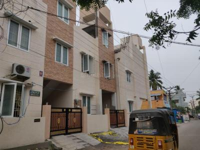 Gallery Cover Image of 1850 Sq.ft 3 BHK Independent House for rent in Viva Varsha, Pozhichalur for 20000