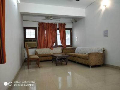 Gallery Cover Image of 1500 Sq.ft 3 BHK Apartment for rent in Sarita Vihar for 37000