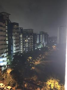 Gallery Cover Image of 1050 Sq.ft 2 BHK Apartment for buy in Kandivali East for 11400000