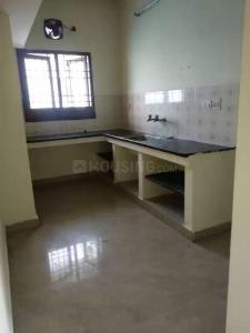 Gallery Cover Image of 980 Sq.ft 2 BHK Apartment for rent in Ashok Manor Apartments, Sembakkam for 10000
