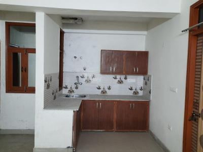 Gallery Cover Image of 900 Sq.ft 2 BHK Apartment for rent in sector 73 for 9000