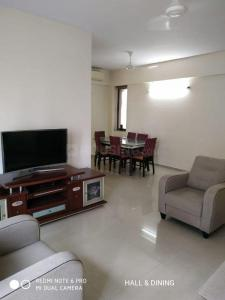 Gallery Cover Image of 1100 Sq.ft 3 BHK Apartment for rent in Kalpataru Sparkle, Bandra East for 170000