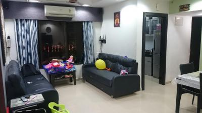 Gallery Cover Image of 850 Sq.ft 2 BHK Apartment for rent in Kandivali East for 40000