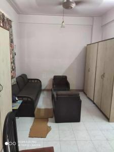 Gallery Cover Image of 650 Sq.ft 1 BHK Apartment for buy in Colaba for 23000000