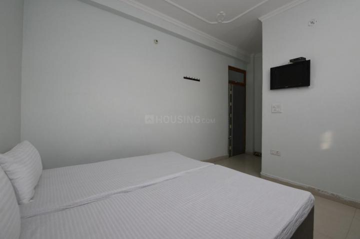 सेक्टर 33 में यश होम पीजी के बेडरूम की तस्वीर