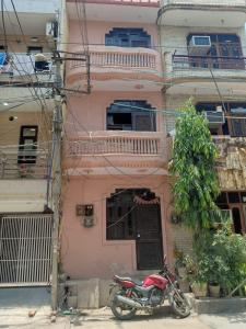 Gallery Cover Image of 279 Sq.ft 3 BHK Independent House for rent in Sector 11 Rohini for 15500