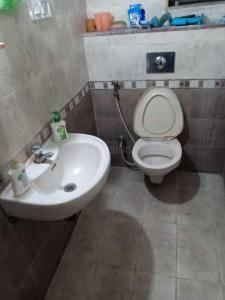 Bathroom Image of Sai Ram PG in Magarpatta City