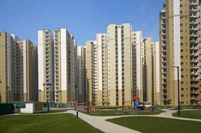Gallery Cover Image of 1330 Sq.ft 3 BHK Apartment for buy in Paras Tierea, Sector 137 for 4500000