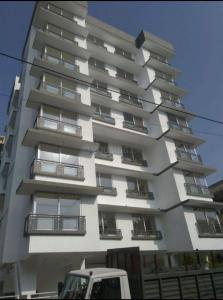 Gallery Cover Image of 768 Sq.ft 1 BHK Apartment for rent in Chembur for 33000