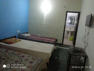 सेक्टर 14 में संजीव पीजी के बेडरूम की तस्वीर